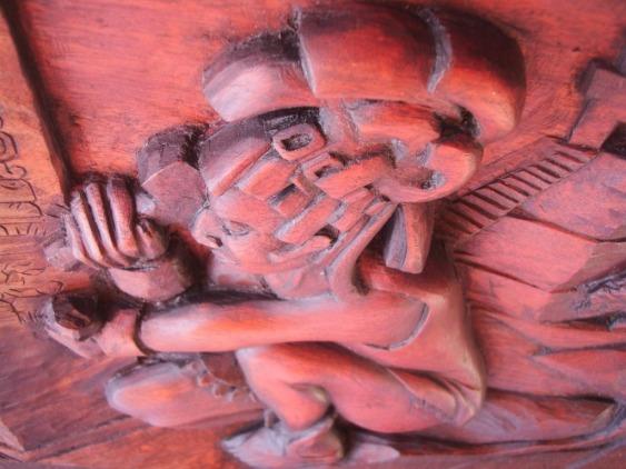 Detalle: Maya esculpiendo una estela